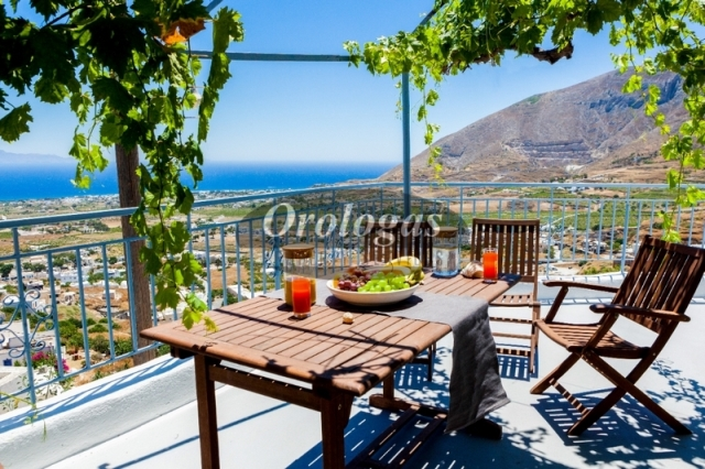 (For Sale) Residential Detached house || Cyclades/Santorini-Thira - 384 Sq.m, 920.000€